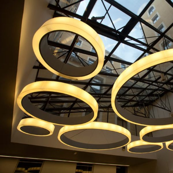 Bubble 3000 ArcoLED Dynamic White suspended with joint 004